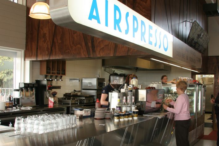 We had lunch at the Airspresso Cafe at New Plymouth airport before catching our plane to Auckland.