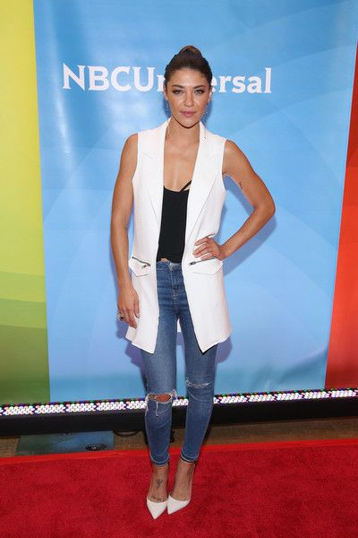 Jessica Szohr Ripped Jeans - Jessica Szohr was sexy-edgy in her torn skinny jeans.