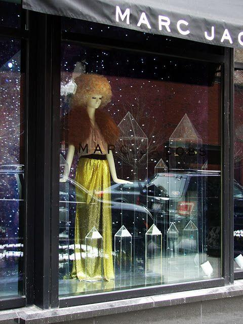 Beautiful Window Displays!: marc jacobs