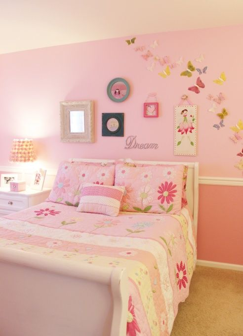 I like the two tone pink with the chair rail girl room - Two tone paint ideas for bedroom ...