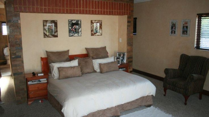 Tuscan home placed in the game reserve of Silver Lakes Golf Estate   Ambassador Letting Agency