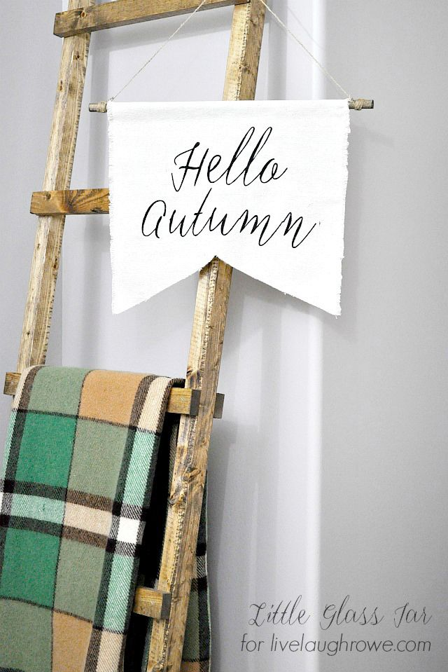 DIY Autumn Banner! A sweet addition to your fall decor. Tutorial at livelaughrowe.com: