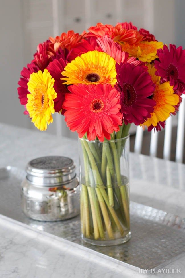 OUR FAVORITE INDULGENCE? FRESH FLOWERS!  Bloomsybox service