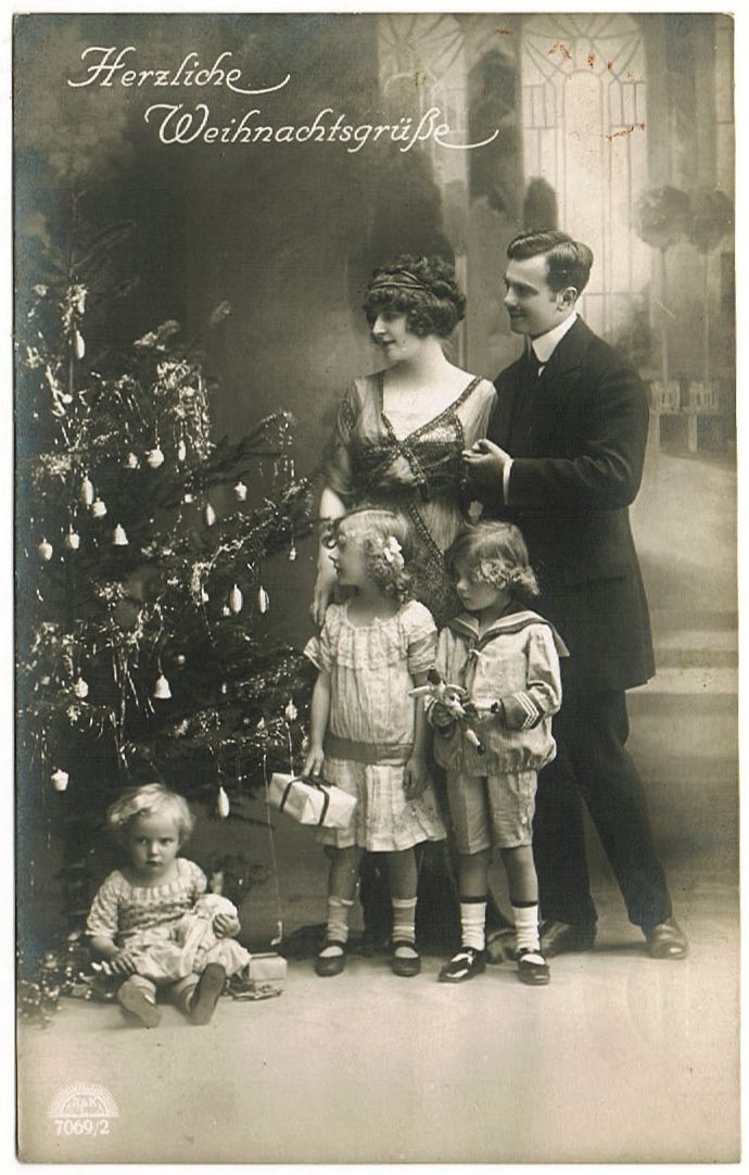 Miss Meadows' Pearls: Vintage Christmas Photos