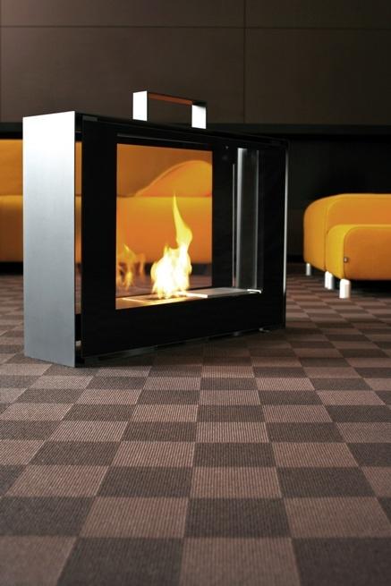 Biokominek walizka to żywy ogień, który podróżuje razem ze swoim właścicielem. Kształt walizki zachwyca oryginalnością i najwyższą jakością wykonania. Zaprojektowany dla znawców piękna. Ogień zamknięty w walizce rozpali zmysły najbardziej wymagających.