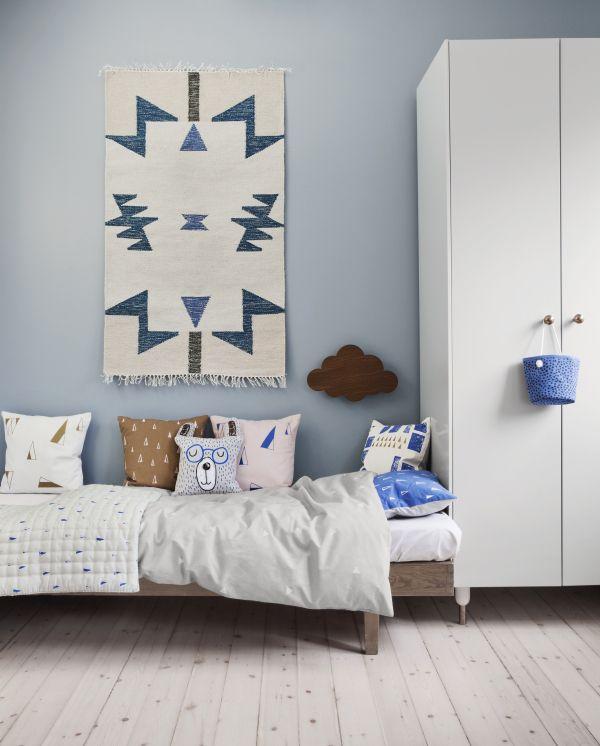 un tapis au mur... pourquoi pas en tête de lit ???