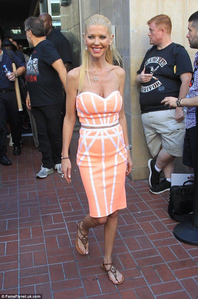 Tara Reid manages to contain her assets in a strapless dress at Comic-Con in California | Daily Mail Online
