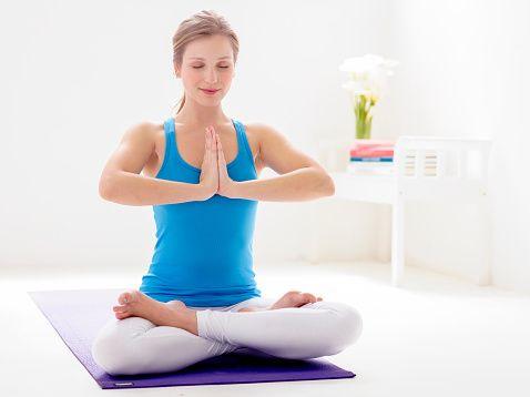 ejercicios de yoga en casa