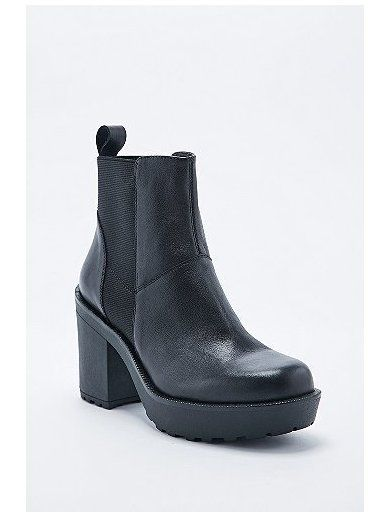 Vagabond Libby Leather Chelsea Boots in Black