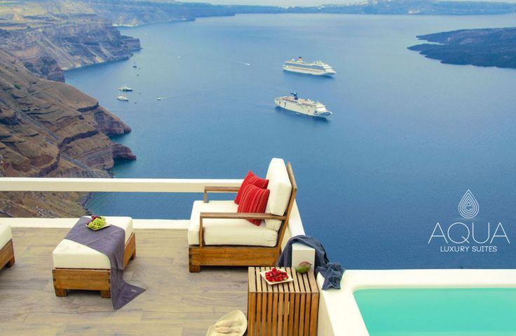 A special retreat for you in #Santorini! #AquaSuites More at aquasuites.gr/