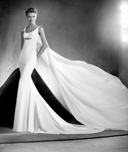 Vestidos de novia cuello redondo 2017: Un diseño que no pasa de moda Image: 11
