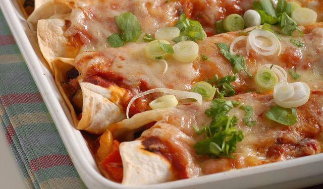 Krok za krokom: Zapečené zeleninové tortily so syrom | DobreJedlo.sk