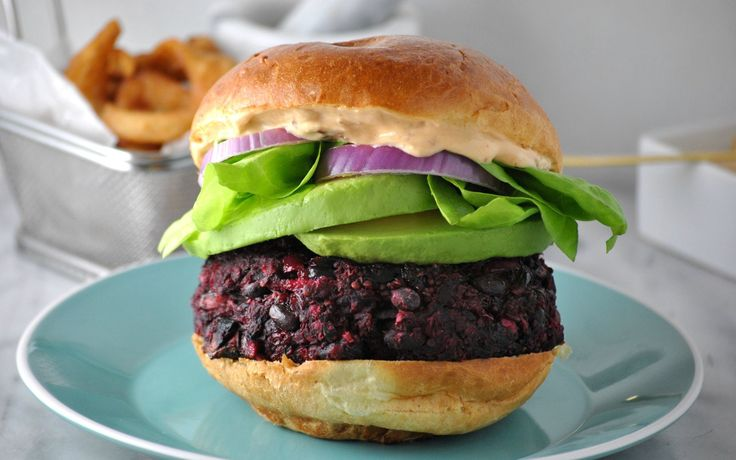 When it comes to veggie burgers, beet-based patties have become pretty common. They're sweet yet savory, light yet filling, and above all, delicious! In addition to beets, the patties in this recipe contain quinoa, oats, garlic, red onion, mushroom, beans, and dates.