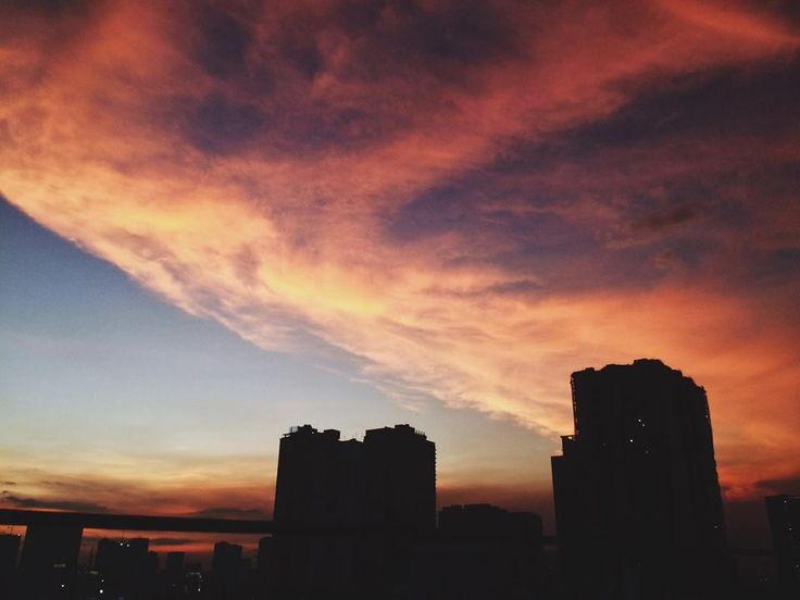 Sunset Makati City 960x720