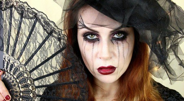Black Widow   25 Halloween Makeup Looks That Are Actually Easy
