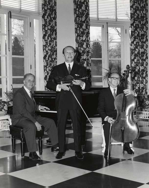 Knud Moller Trio Playing For Tea Talk Show History Scenes