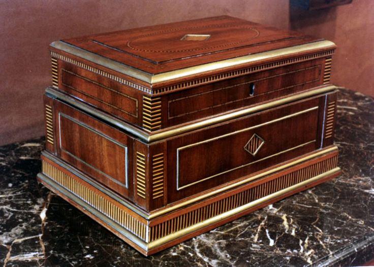Acajou Box By David Roentgen