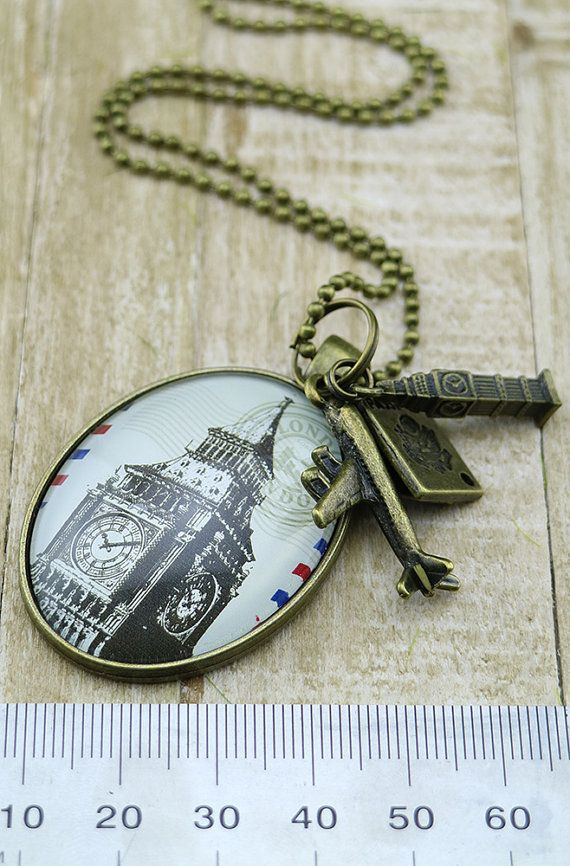 Gorgeous UK Big Ben inspired necklace, London Souvenir - Big Ben - Travel necklace - backpacker gift - Leaving present - travel jewelry - travel jewellery