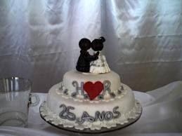 Bolos decorados de bodas de prata - http://www.boloaniversario.com/bolos-decorados-de-bodas-de-prata/