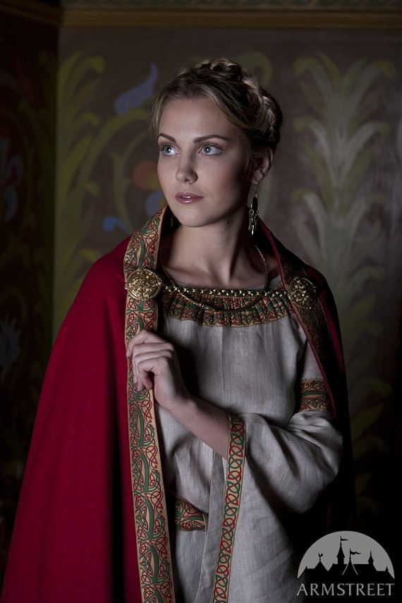Red wool cape Anne of Kiev    This beautiful cape was inspired with XI century classic design, when world was fresh and cruel, when Paris was small and