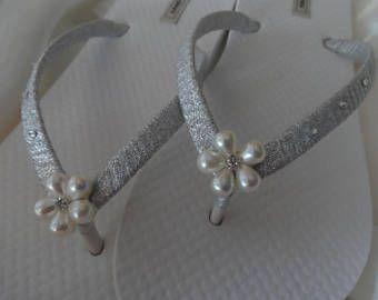 Flor de perlas boda chanclas / flip nupcial ducha ojotas / playa zapatos de boda / despedida de soltera Flip Flops /Bride regalo / sandalias de novia