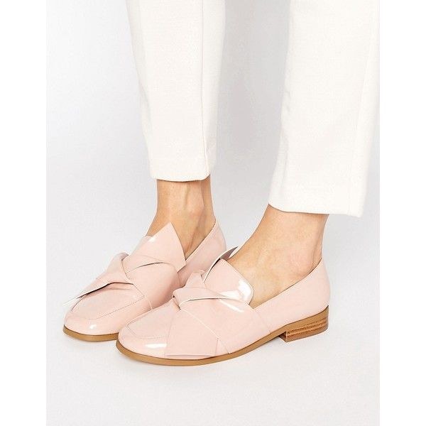 ASOS MAXIMUM Knotted Flat Shoes (1.140 RUB) ❤ liked on Polyvore featuring shoes, flats, beige, slip on shoes, flat prom shoes, beige flats, asos shoes and patent flats