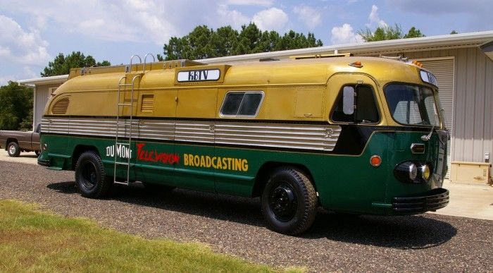 1949 Flxible Telecruiser, based on the Ohio motor coach builder's famous rounded-back Clipper bus