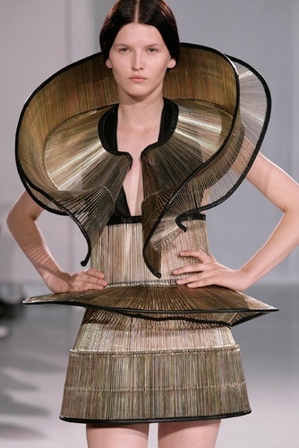 architectural fashion...  by:  Iris Van Herpen. Fashion we love. www.artency.com. Art & Contemporary Jewelry