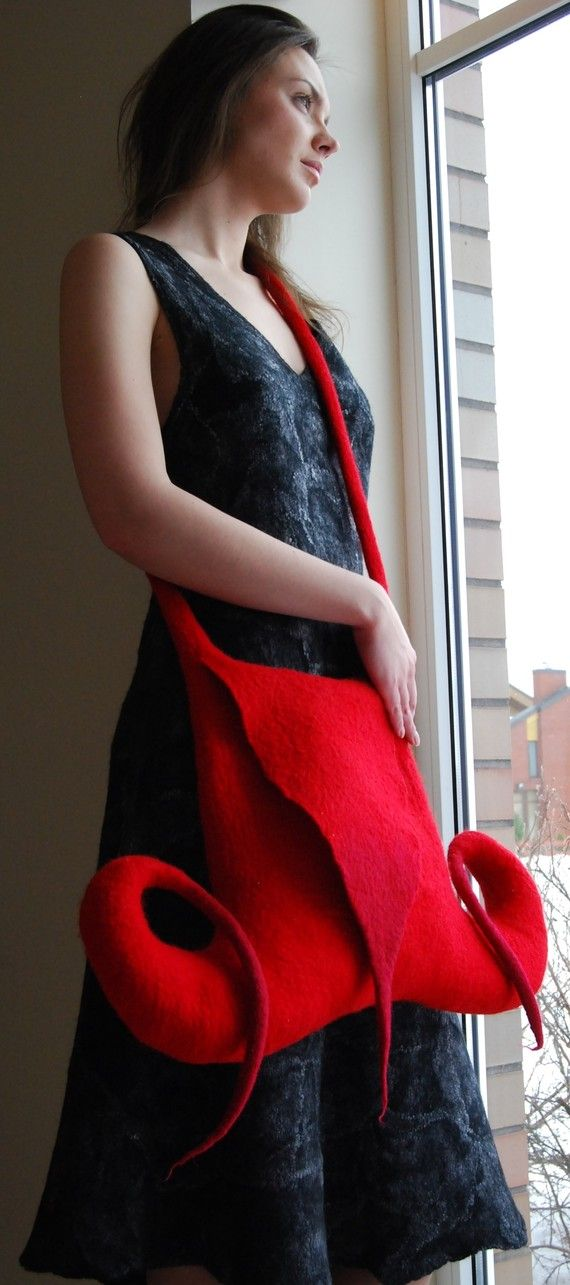 Red felted handbag 40% RED CAPRICORN by doseth on Etsy