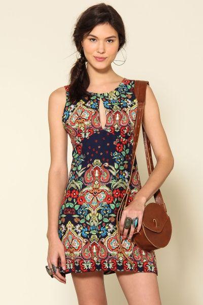 vestido gota costas jardim cashemier Zai - Farm Rio                                                                                                                                                                                 Mais
