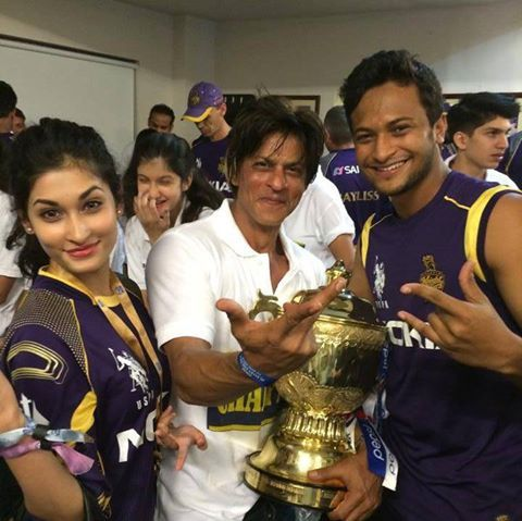Number #1 All Rounder of International Cricket- Shakib Al Hasan with wife Umme Ahmed Shishir and Bollywood superstar Shahrukh Khan at the celebration party of Kolkata Knight Riders (KKR)'s 2nd  championship at Indian Premier League (IPL) 2014!