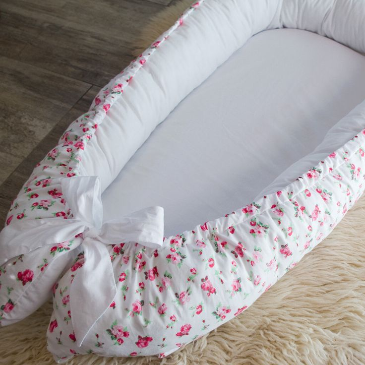 Adorable roses double-sided Baby Nest for newborn babynest, sleep bed, cot, snuggle nest, baby nest pattern, sleep nest, co sleeper by BabynestShop on Etsy https://www.etsy.com/listing/468055743/adorable-roses-double-sided-baby-nest
