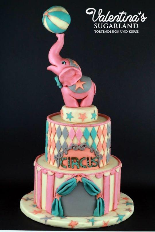 Cute! Girly Circus Cake                                                                                                                                                                                 Más