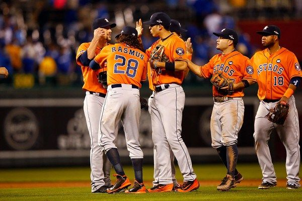 Astros de Houston superan a Reales de Kansas City