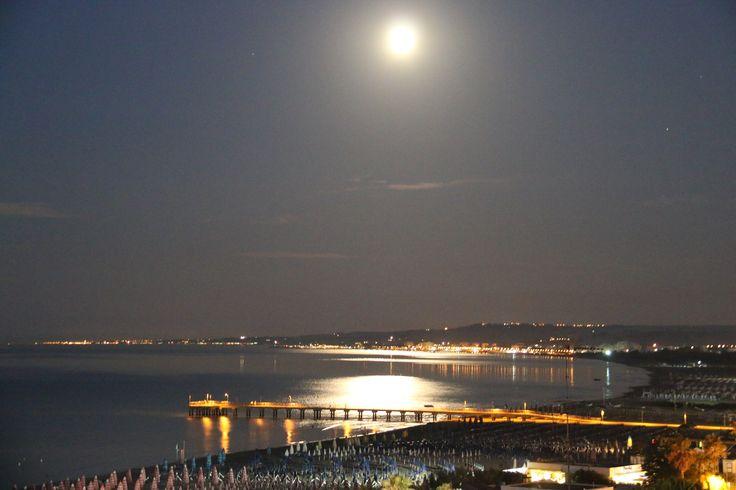 ❤ #vasto #night #sea #chieti #abruzzo #beach #mare #beatiful #pontile #luna #luci ❤