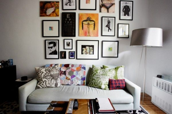 Amazing, creative tips to make your tiny apartment look HUGE! Photos by Winnie Au.