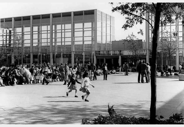 Milton Keynes Shopping Building 1979