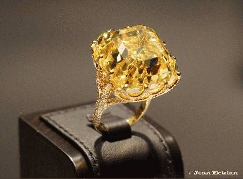 images of expensive jewelry | World's most expensive yellow diamond presented in Paris exhibition ...