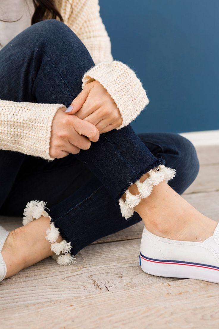 Add tassel trim to your jeans with this frayed denim hem hack DIY.