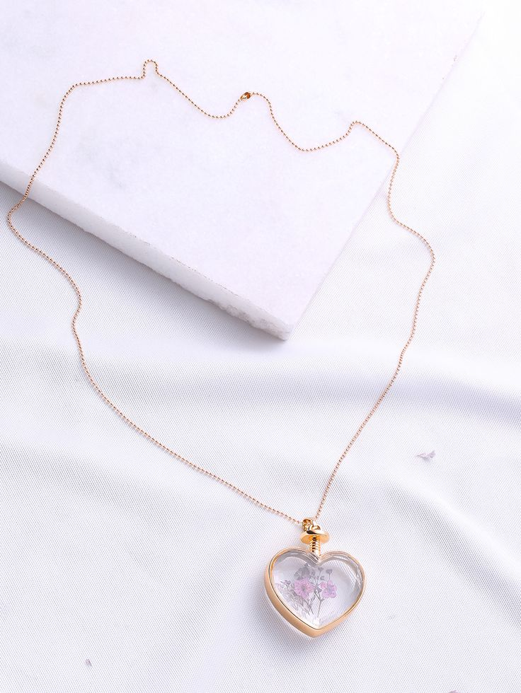 Shop Flower Heart Pendant Chain Necklace online. SheIn offers Flower Heart Pendant Chain Necklace & more to fit your fashionable needs.