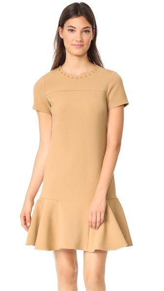 ¡Consigue este tipo de vestido mini de Shoshanna ahora! Haz clic para ver los detalles. Envíos gratis a toda España. Shoshanna Ashgrove Dress: Gold-tone resin beads accent the neckline of this luxe Shoshanna dress. Ruffled hem. Short sleeves. Hidden back zip. Unlined. Fabric: Mid-weight luxe suiting. Shell: 63% polyester/27% viscose/6% cotton/4% elastane. Lining: 95% polyester/5% spandex. Dry clean. Made in the USA. Measurements Length: 35.5in / 90cm, from shoulder Measurements from size…