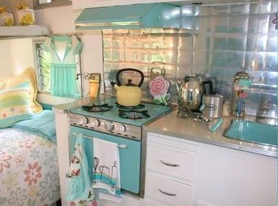 Vintage trailer kitchen -- shabby chic. LOVE this!