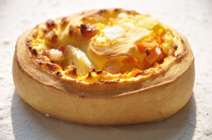 Questi conchiglioni alle verdure e prosciutto cotto sono ideali per una tarda colazione, per un brunch e un pranzo veloce