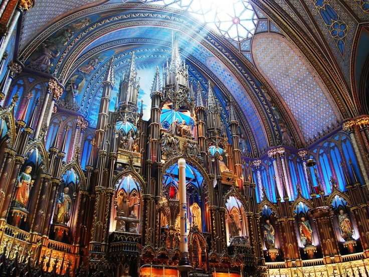 Want to sample the best of La Belle Province in under a week? We're counting down the must-see tourist attractions in Montreal and Quebec City—two of Canada's most exciting destinations.