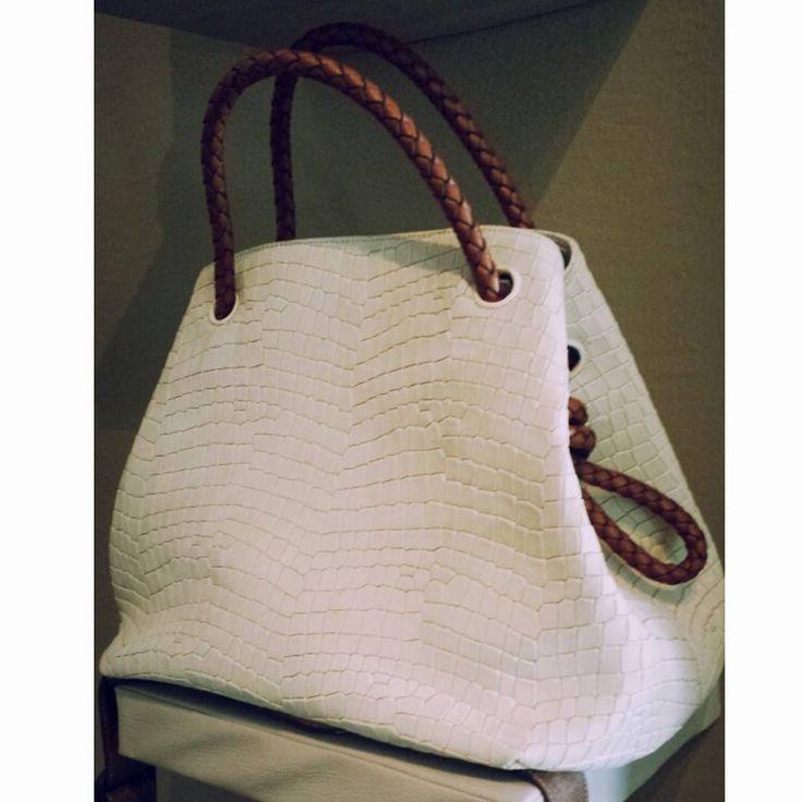 Tissa Fontaneda Spring 2015 sneak peak: our coveted Bucket Bag style in Creme textured calfskin!