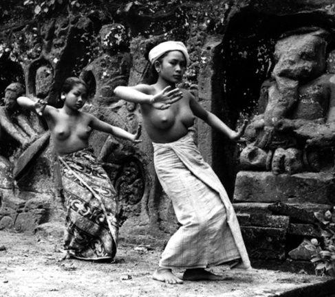 Bali women - History  женщины Бали - история