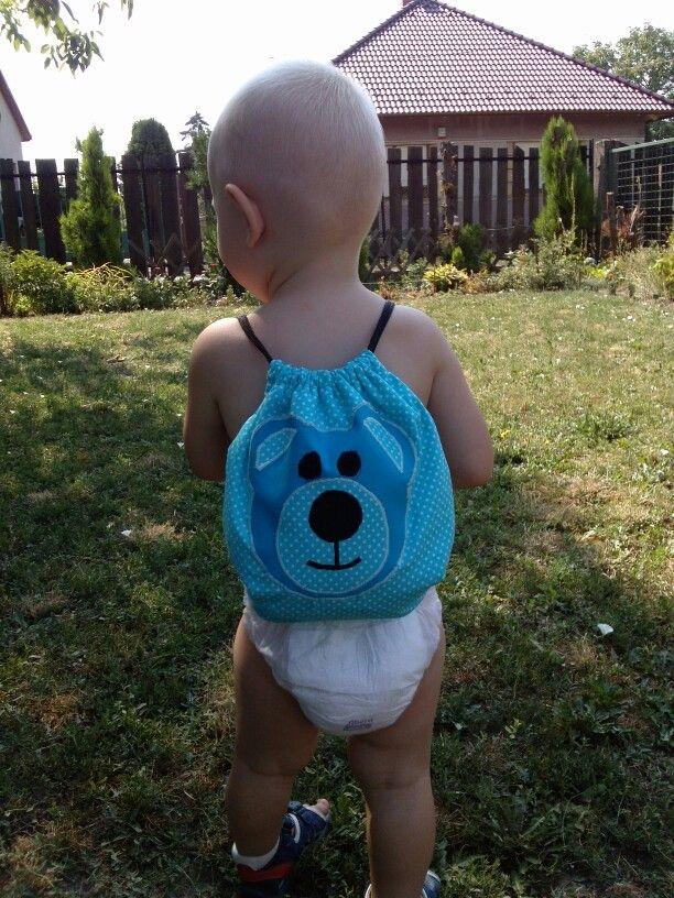 Kisfiam hátizsákja :-)