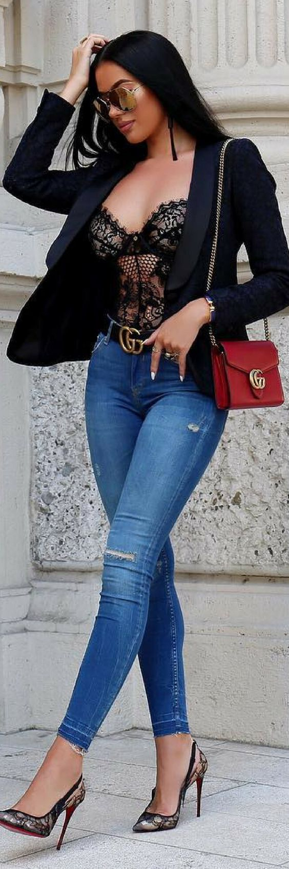 Jeans and a blazer! My go to  // Summer Outfit Idea by Laura Badura