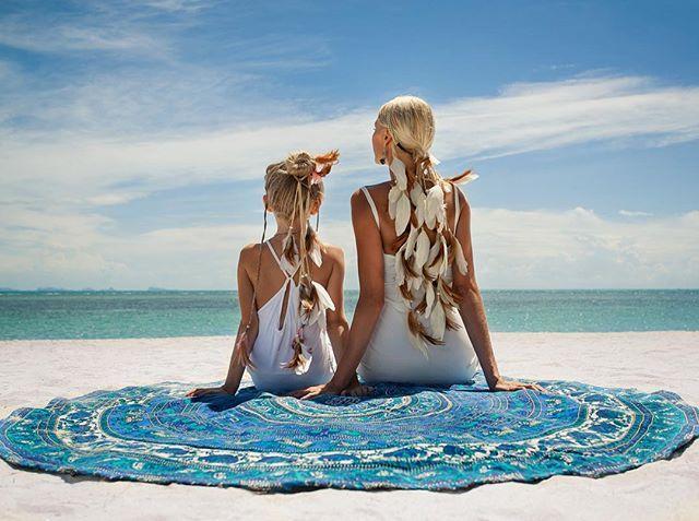 Прекрасные солнечные Полина и Ева в повязках от @mockni ❤️❤️❤️ #sea#beach#ocean#summer#feafhers#boho#relax#family#thailand#kohphangan#phangan#photoshoot#fashion#freedom#photographer#travel#beautiful#таиланд#панган#фотограф#фотосессия#отпуск#путешествие#семья#бохо#перья#лето#море#океан#пляж