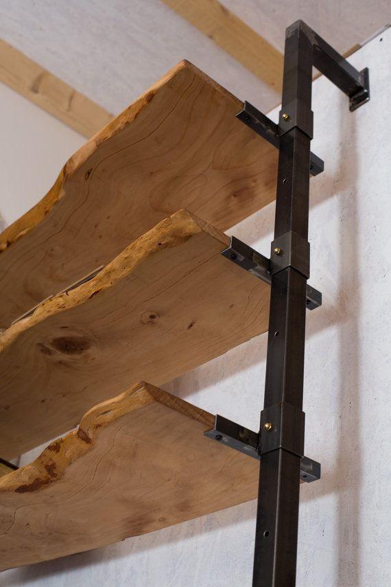 Bücherregal mit Holzregalen von IndustrieDelamont auf Etsy